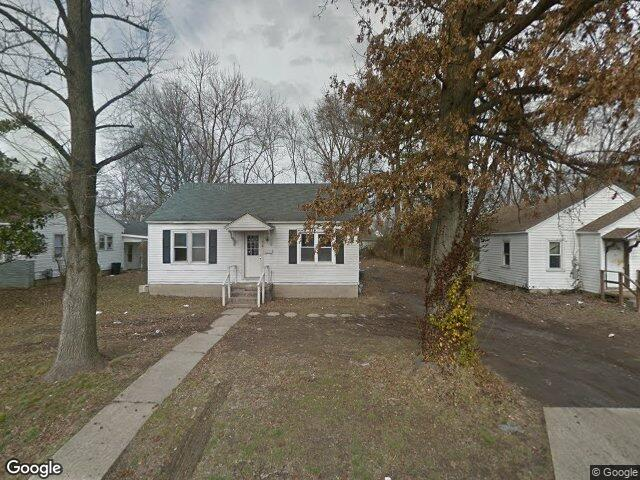 806 W Hendrickson St, Marion, IL 62959