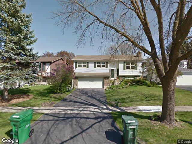832 Merrill Ln, Grayslake, IL 60030