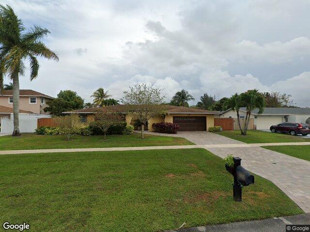 850 Gardenia Dr, Royal Palm Beach, FL 33411