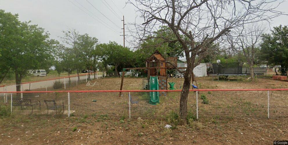 1006 Broad St, Brady, TX 76825