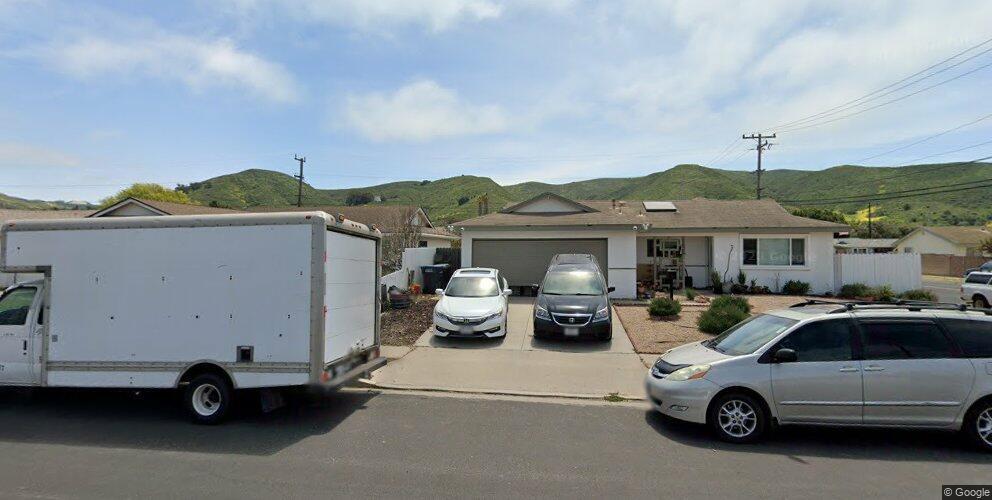 1020 W Hickory Ave, Lompoc, CA 93436