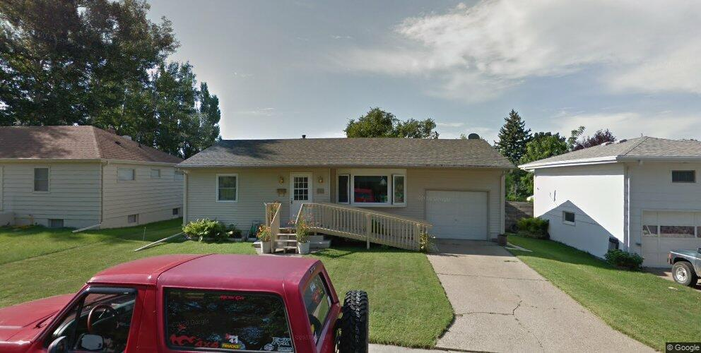 1041 Riverview Ave, Bismarck, ND 58504