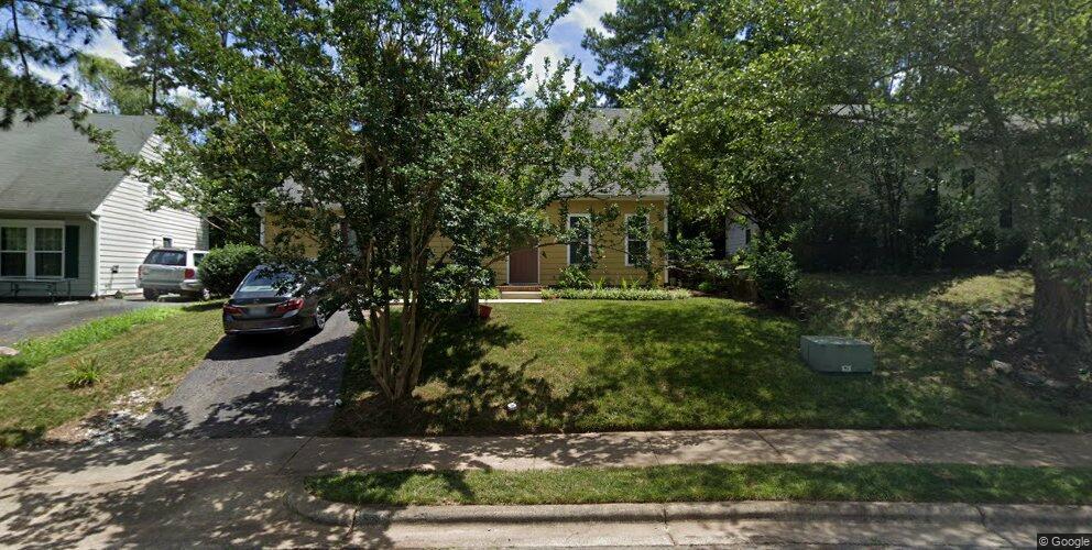 109 Saint Thomas Dr, Chapel Hill, NC 27517