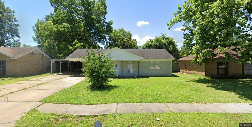 1106 Dover Rd, West Memphis, AR 72301