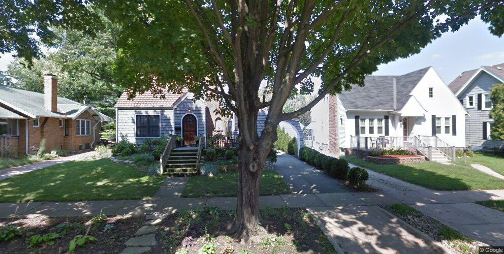 1206 W Healey St, Champaign, IL 61821