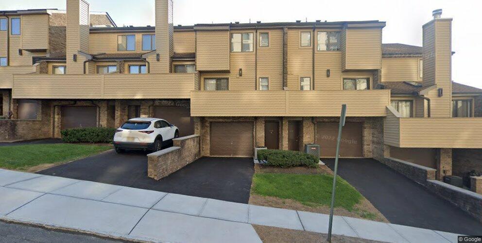 1272 15th St, Fort Lee, NJ 07024