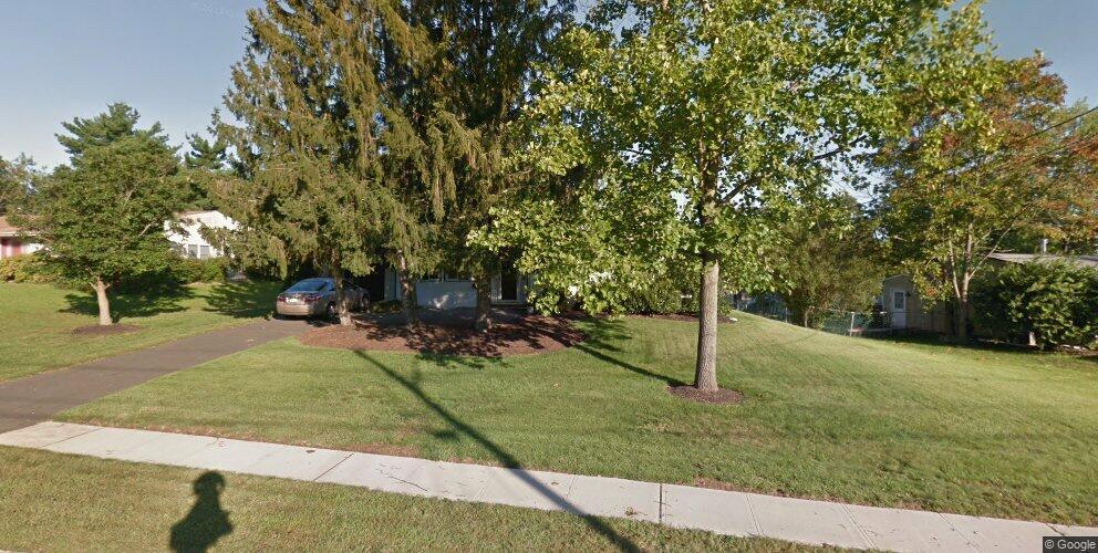 13 Newman Rd, Kendall Park, NJ 08824