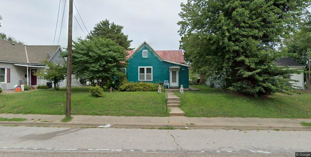 1406 N 3rd St, Quincy, IL 62301