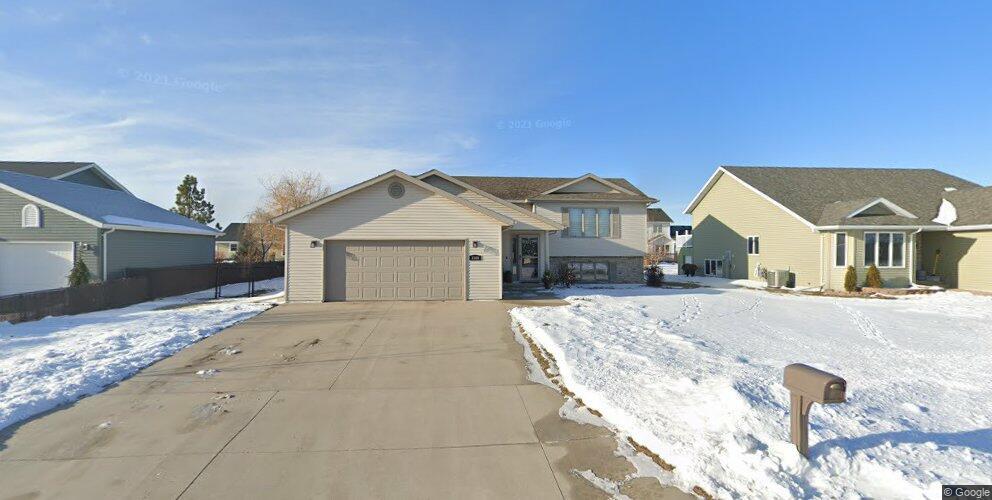 1508 13th Ave SE, East Grand Forks, MN 56721