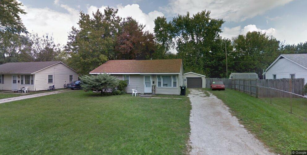 1514 Holly Hill Dr, Champaign, IL 61821