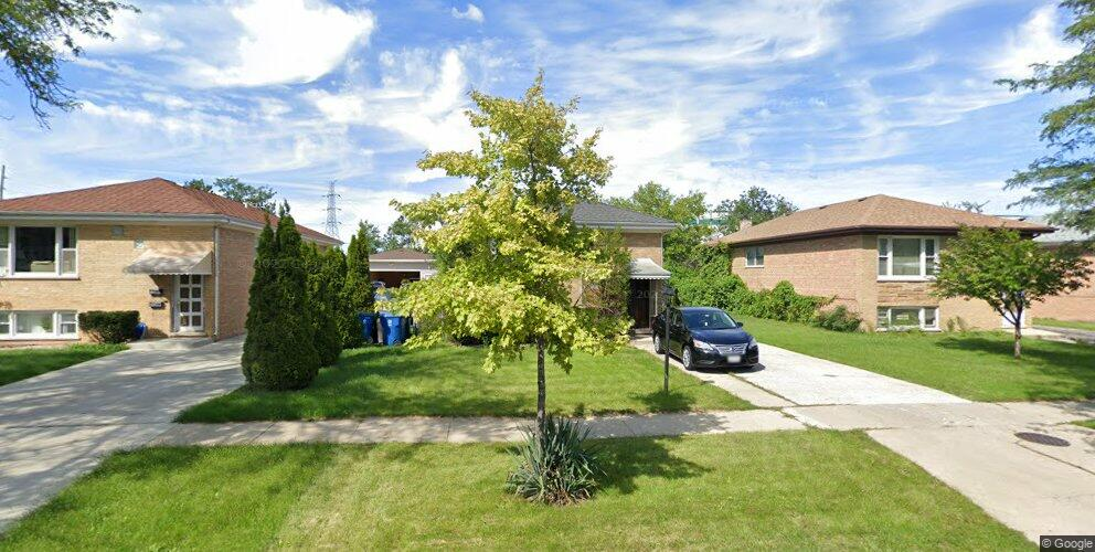 160 Golfview Dr, Northlake, IL 60164