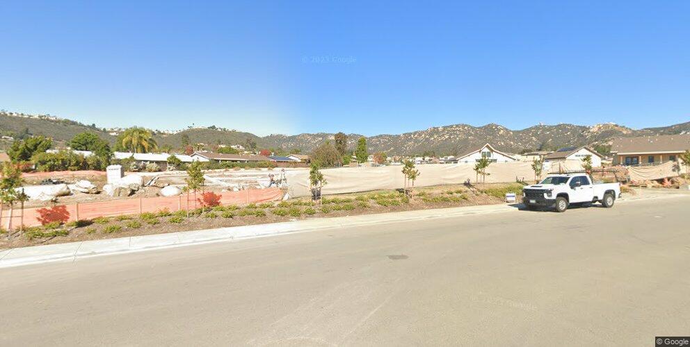 1800 W Country Club Ln, Escondido, CA 92026