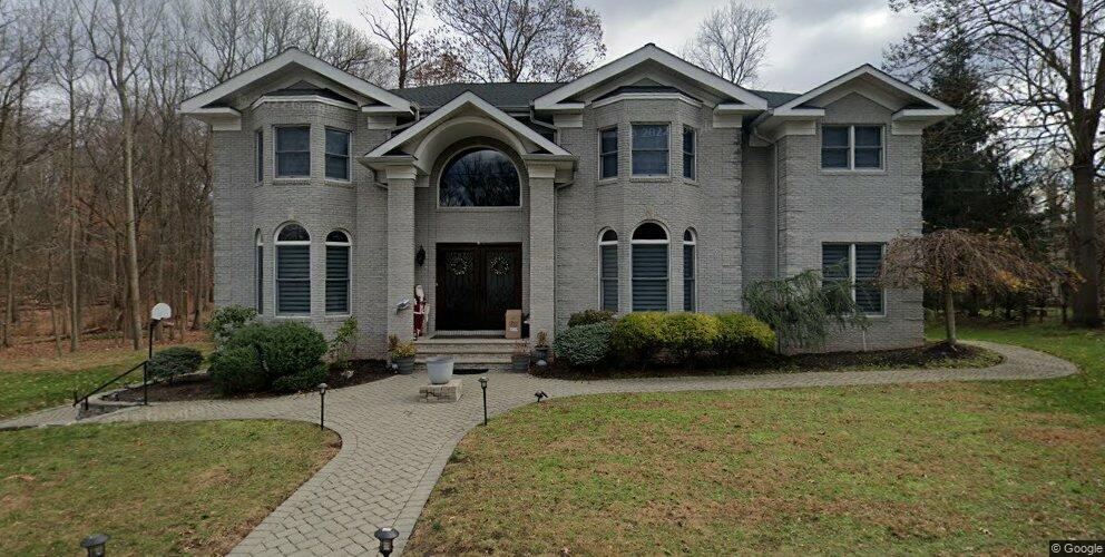 207 Haworth Dr, Haworth, NJ 07641