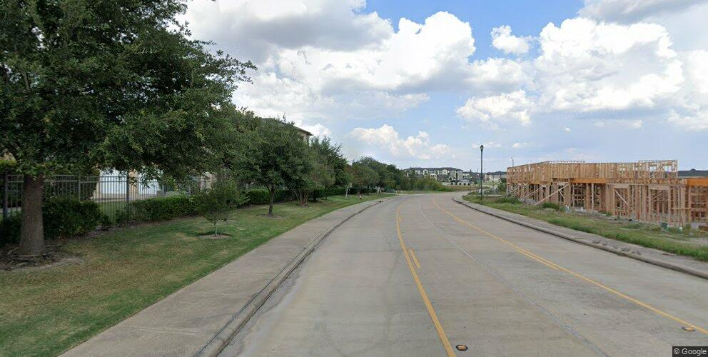 2110 Crescent Pointe Pkwy, College Station, TX 77845
