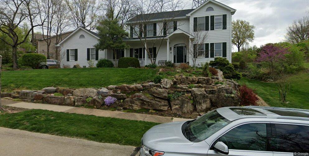 214 Greenbriar Estates Dr, Saint Louis, MO 63122