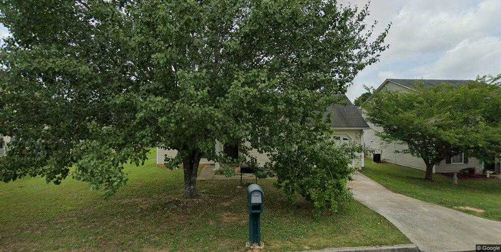 220 Willow Springs Dr, Jonesboro, GA 30238