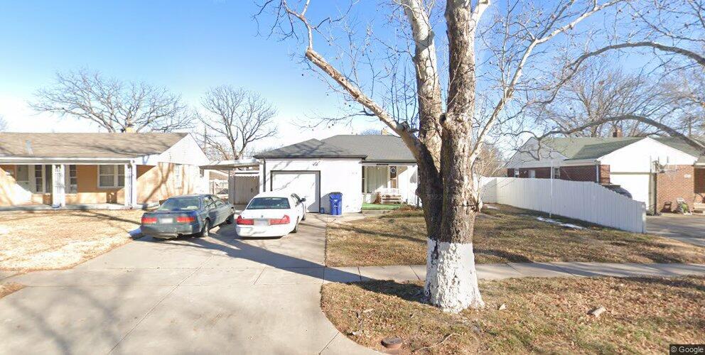 2208 S Pinecrest Ave, Wichita, KS 67218
