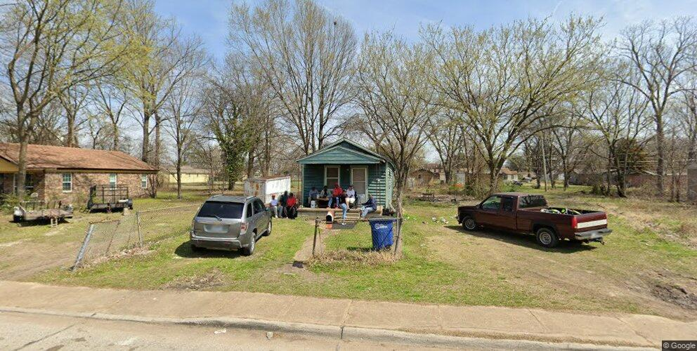 224 S 16th St, West Memphis, AR 72301