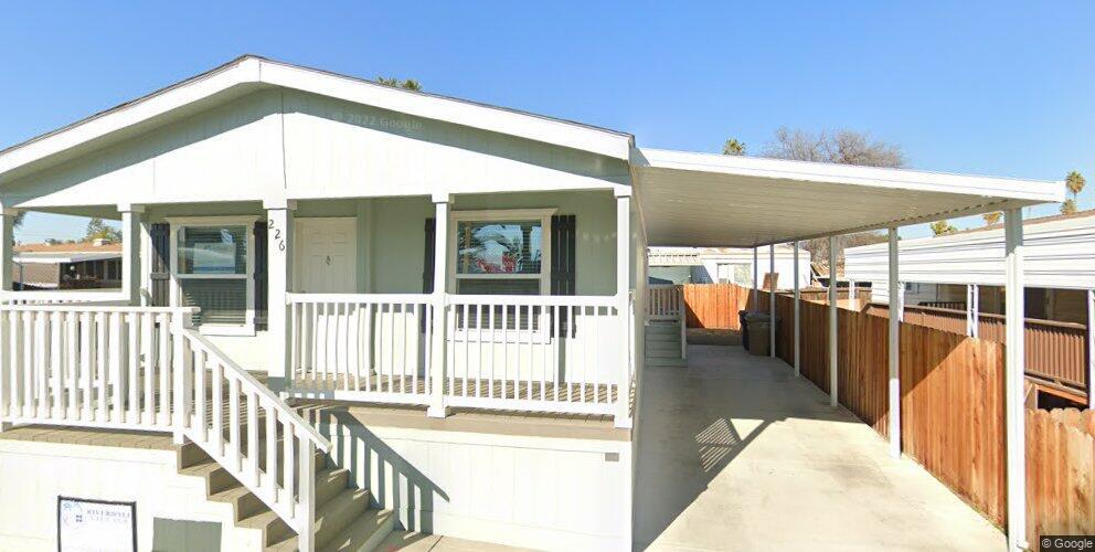 226 Torrey Pines Ln, Bakersfield, CA 93308