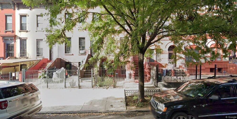 247 Vernon Ave, Brooklyn, NY 11206