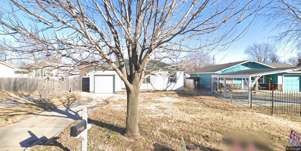 2518 S Laura St, Wichita, KS 67216