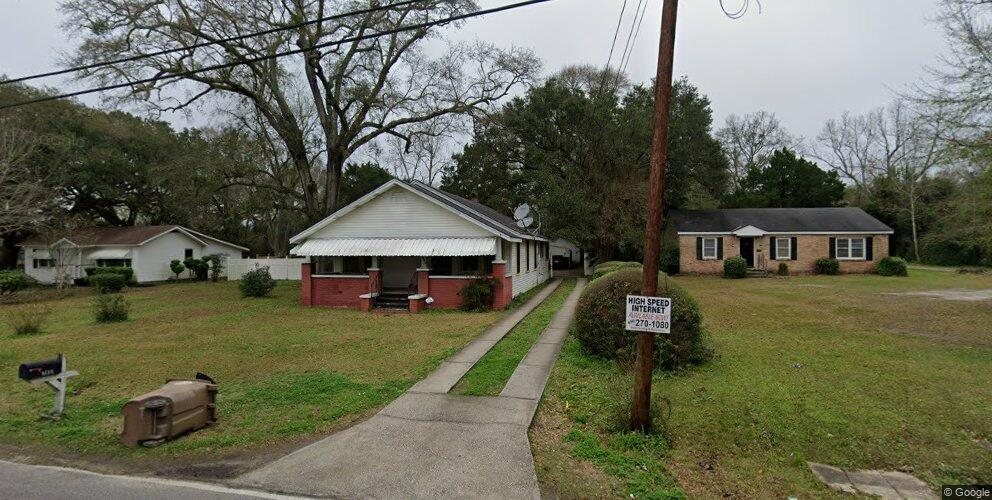 2600 Fairway Dr, Mobile, AL 36606