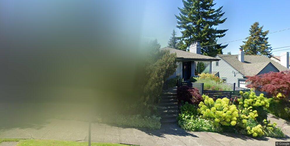 2705 Warren Ave N, Seattle, WA 98109