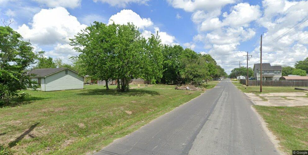 2717 Park Ave, Bay City, TX 77414