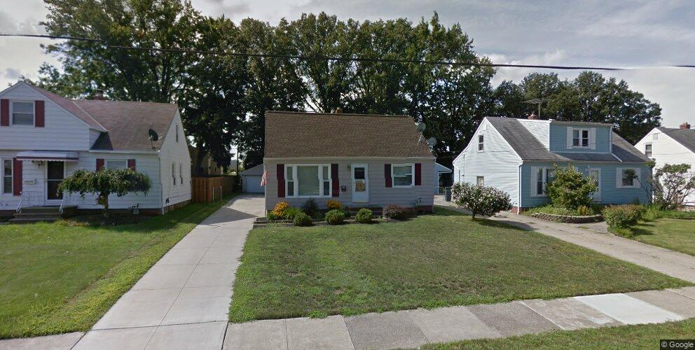 30232 Forest Grove Rd, Willowick, OH 44095