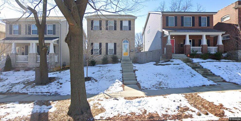 3216 Henrietta St, Saint Louis, MO 63104