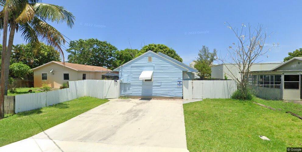 326 NE 1st St, Boynton Beach, FL 33435