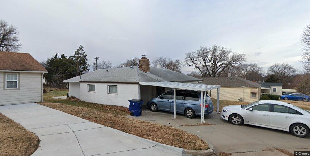 3317 E Penley Dr, Wichita, KS 67218