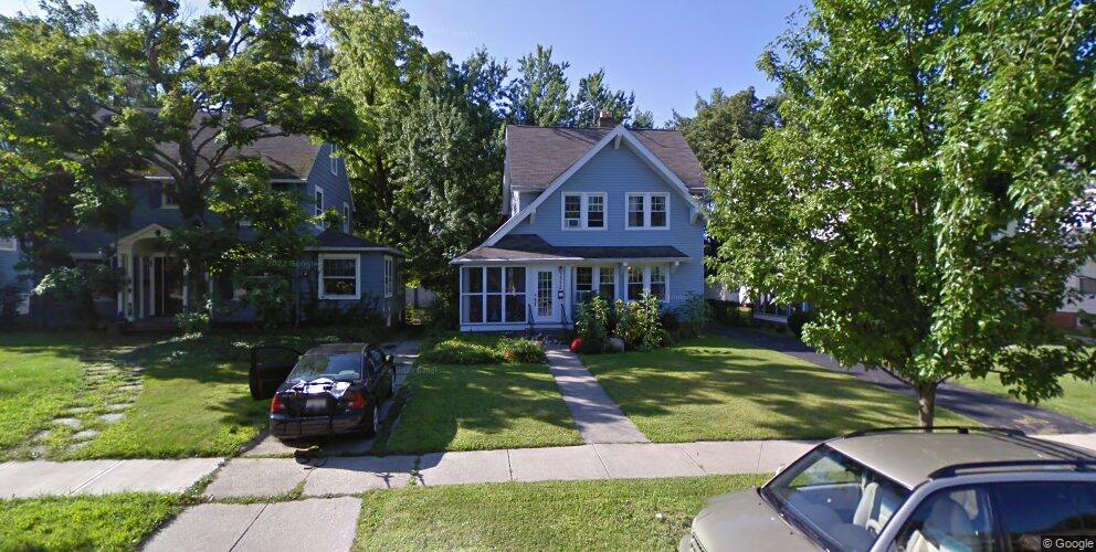 3372 E Fairfax Rd, Cleveland Heights, OH 44118