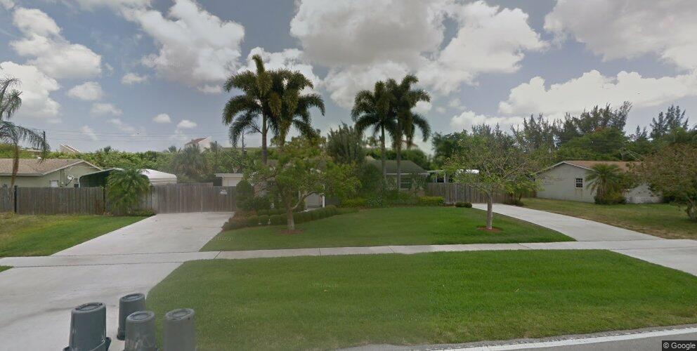 3416 Pinehurst Dr, Lake Worth, FL 33467