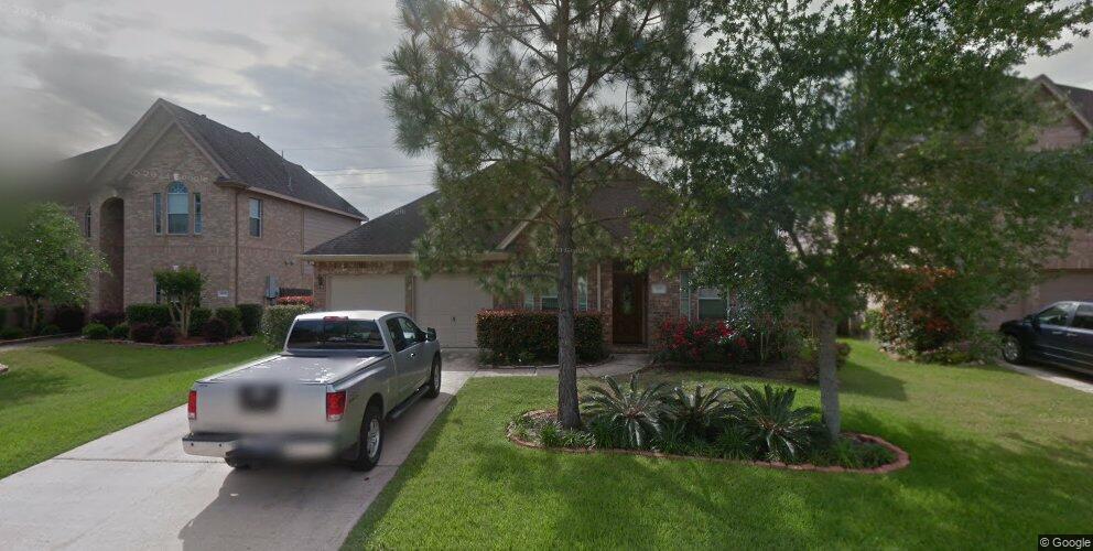 3811 Pine Lake Dr, Pearland, TX 77581