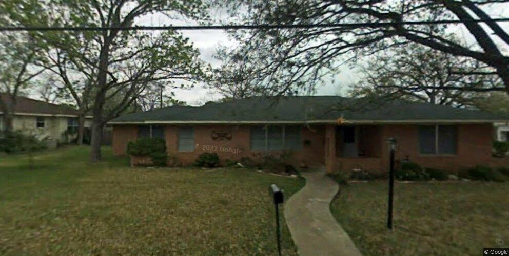 387 Monroe St, Giddings, TX 78942