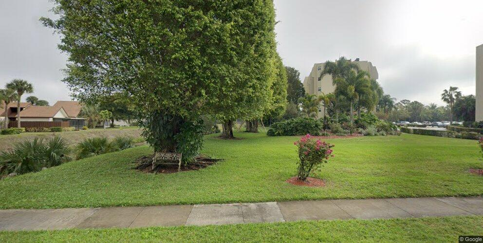 3871 Via Poinciana #101, Lake Worth, FL 33467