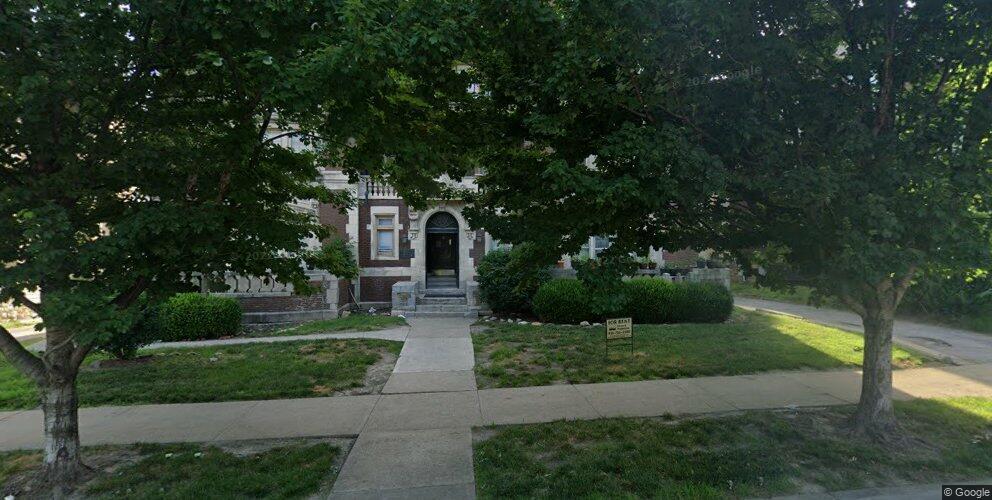 4144 Warwick Blvd, Kansas City, MO 64111