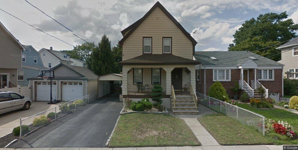 449 Willow Ave, Lyndhurst, NJ 07071