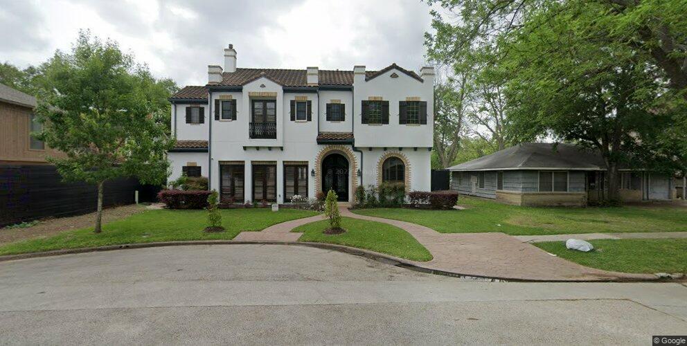 4521 Pin Oak Ln, Bellaire, TX 77401