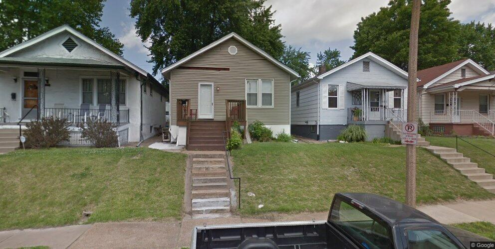 4621 Ray Ave, Saint Louis, MO 63116