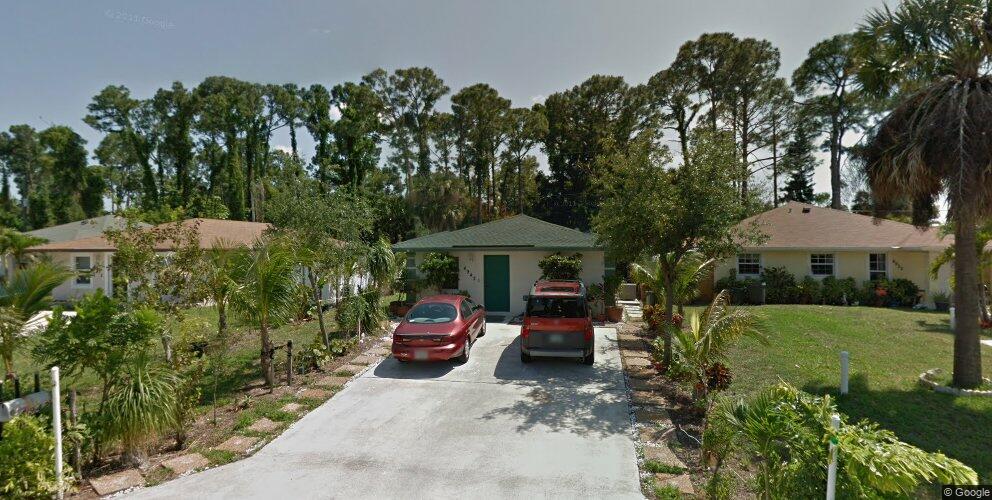 4942 Dillion St, Lake Worth, FL 33463