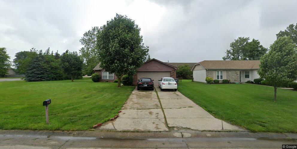5104 Heathwood Dr, Indianapolis, IN 46237