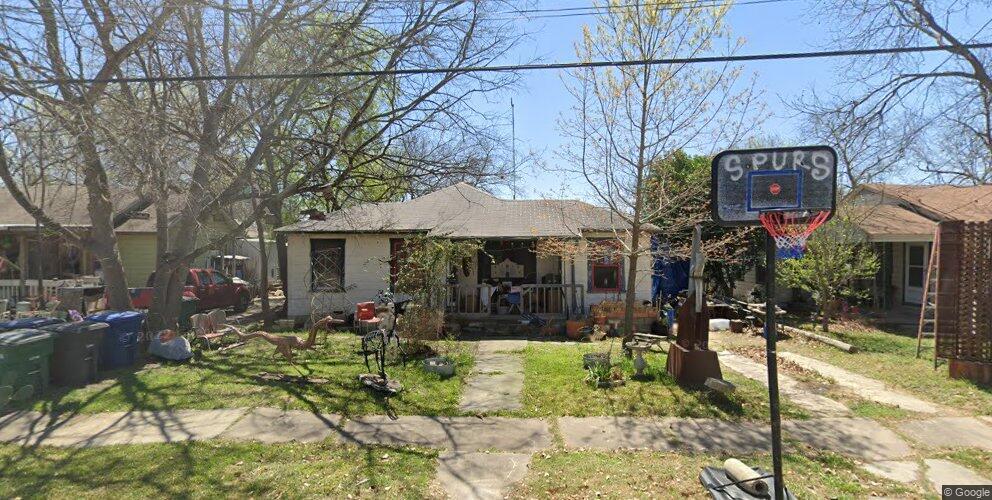 526 W Norwood Ct, San Antonio, TX 78212