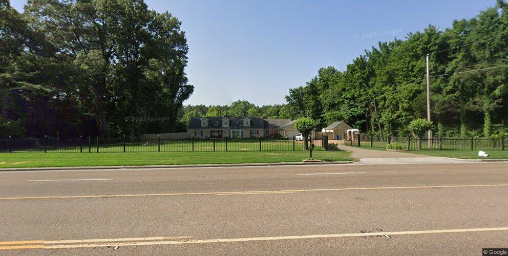 5441 Goodman Rd, Horn Lake, MS 38637