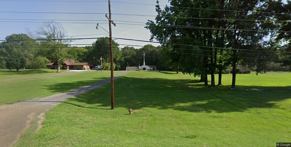 5560 Goodman Rd, Horn Lake, MS 38637