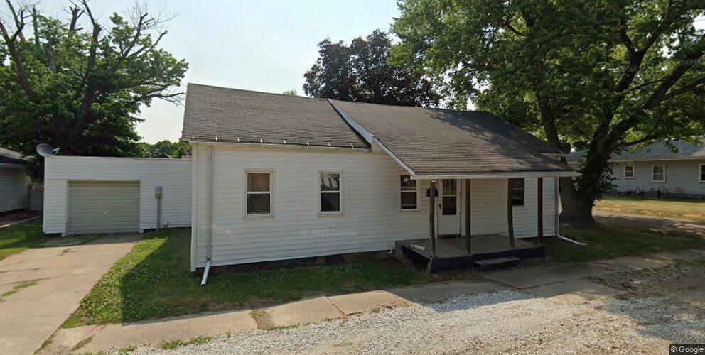 603 N Maple St, Lewistown, IL 61542