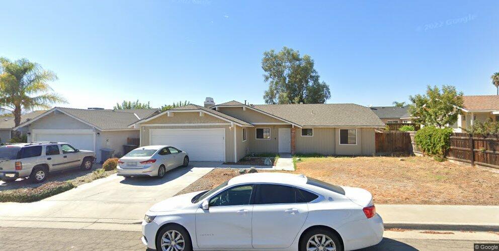 608 Sonoma Ln, Avenal, CA 93204