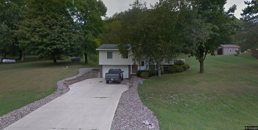 6105 Country Club Rd, Houston, MN 55943