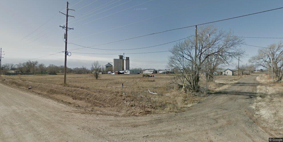 611 E 10th St, Hale Center, TX 79041